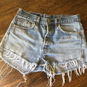 Vintage high waist Levi's 501 denim shorts 30